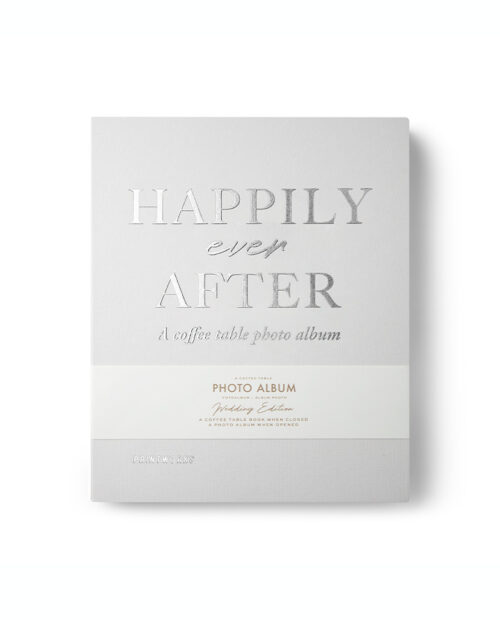Hier sehen Sie ein Foto vom Coffee Table Fotoalbum - Happily Ever After in ivory